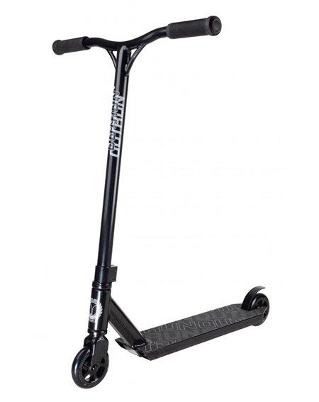 Blazer Pro Outrun 2 Stunt Scooter Black
